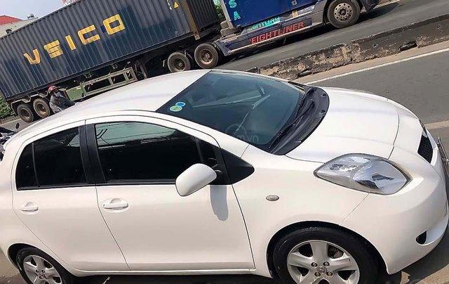 Cần bán Toyota Yaris đời 2008, màu trắng, nhập khẩu, số tự động0