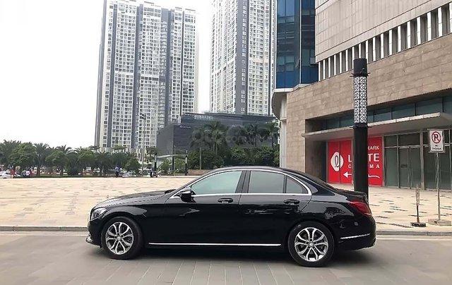 Cần bán Mercedes C200 sản xuất năm 2015, màu đen, xe gia đình1