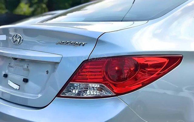 Bán Hyundai Accent 1.4 AT 2011, màu bạc, xe nhập  4