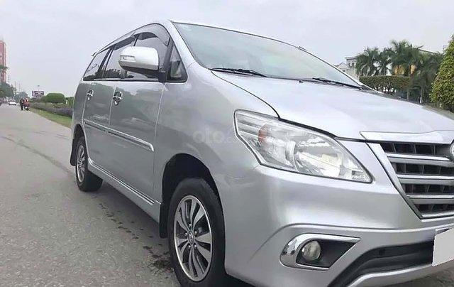 Bán Toyota Innova MT sản xuất năm 2016, màu bạc chính chủ3