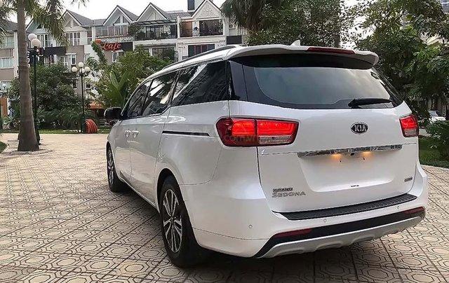 Cần bán lại xe Kia Sedona 2.2L DAT đời 2018, màu trắng số tự động2