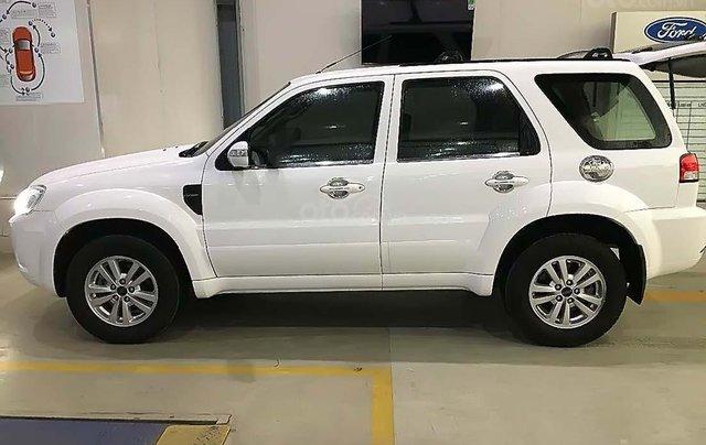 Cần bán xe Ford Escape đời 2013, màu trắng2