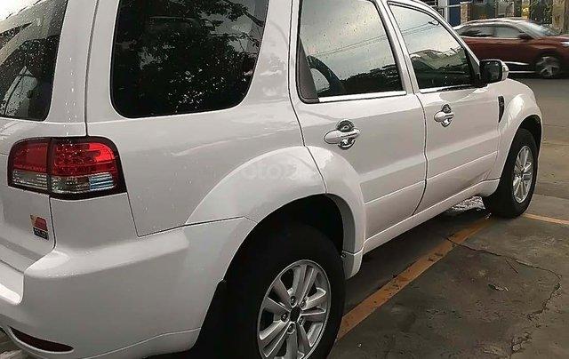 Cần bán xe Ford Escape đời 2013, màu trắng4