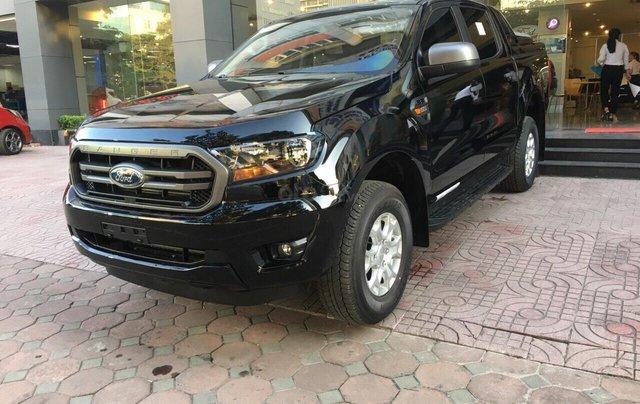 Bán Ford Ranger XLS năm sản xuất 2019, màu đen, giá KM cuối năm, lấy ngay tặng gói BHTV + phụ kiện1