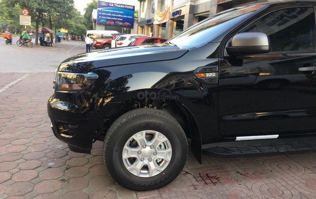 Bán Ford Ranger XLS năm sản xuất 2019, màu đen, giá KM cuối năm, lấy ngay tặng gói BHTV + phụ kiện3
