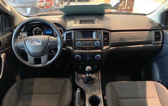 Bán Ford Ranger XLS năm sản xuất 2019, màu đen, giá KM cuối năm, lấy ngay tặng gói BHTV + phụ kiện4
