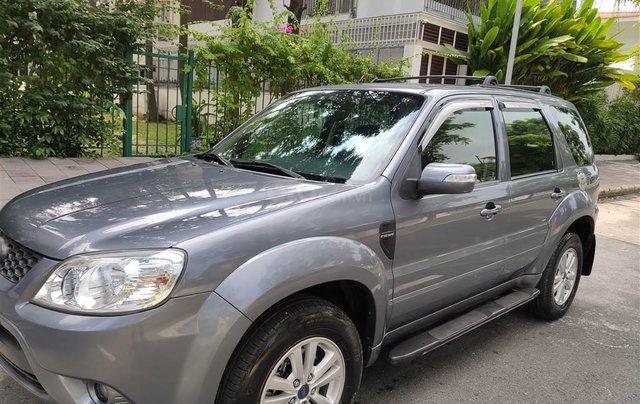 Ford Escape XLT số tự động, màu xám 20101