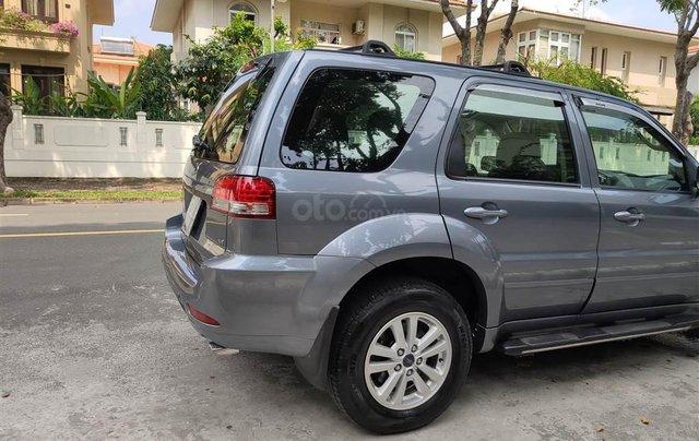 Ford Escape XLT số tự động, màu xám 20103
