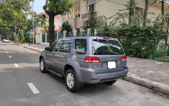 Ford Escape XLT số tự động, màu xám 20104