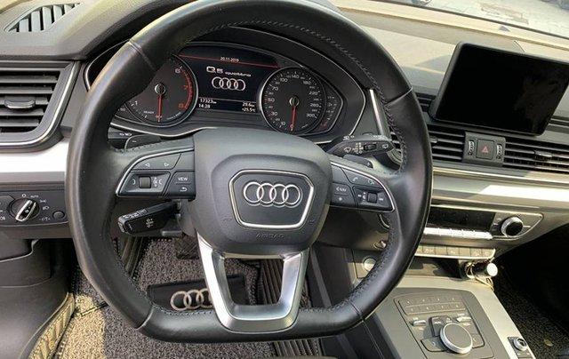 Cần bán lại xe Audi Q5 Sport năm sản xuất 2017, màu đen, xe nhập5
