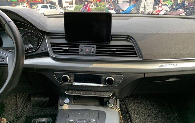 Cần bán lại xe Audi Q5 Sport năm sản xuất 2017, màu đen, xe nhập4