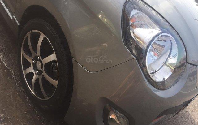 Kia Morning cuối 2010 bản EX 1.1 Sport, màu xám, số sàn, xe GĐSD được bảo dưỡng, bảo trì thường xuyên nên còn rất mới2
