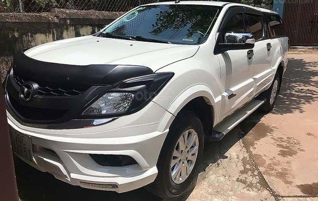 Cần bán Mazda BT 50 2.2 sản xuất năm 2014, màu trắng, nhập khẩu 1