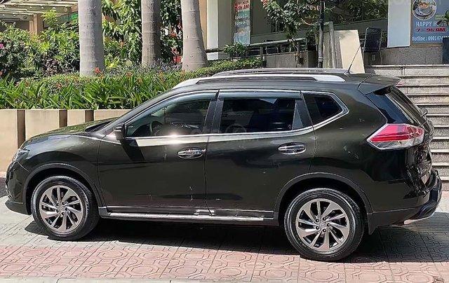Cần bán gấp Nissan X trail 2.5 SV Premium 2017, màu xanh lam0