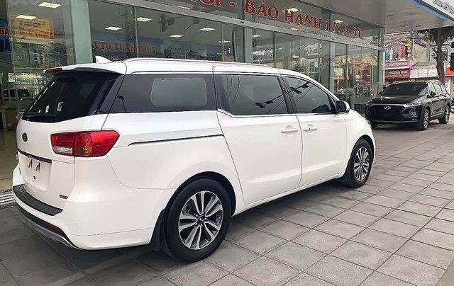 Cần bán Kia Sedona đời 2018, màu trắng như mới1