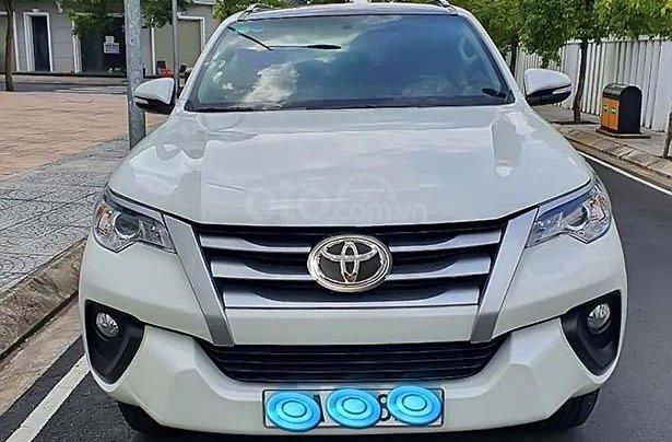 Cần bán Toyota Fortuner năm sản xuất 2017, màu trắng, nhập khẩu0