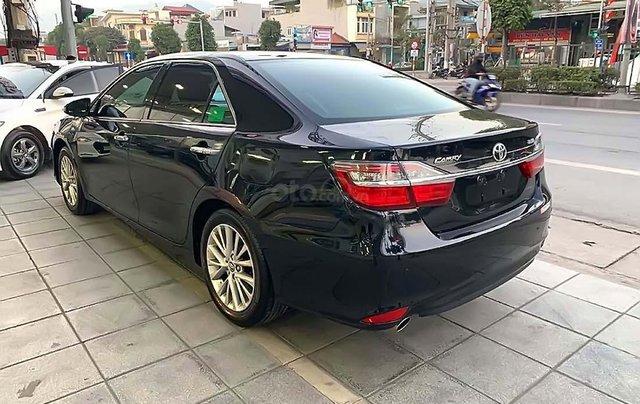 Bán Toyota Camry 2.5Q đời 2018, màu đen, xe như mới1