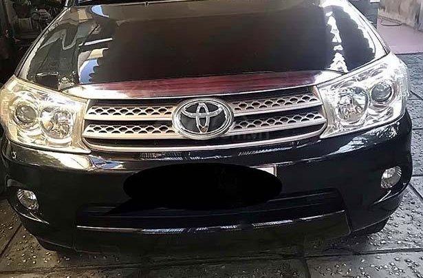 Cần bán lại xe Toyota Fortuner 2.7 sản xuất năm 2011, màu đen0