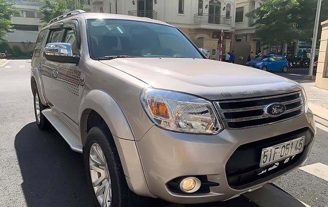 Cần bán lại xe Ford Everest 2.5L 4x2 AT sản xuất năm 2014, xe đã qua sử dụng0