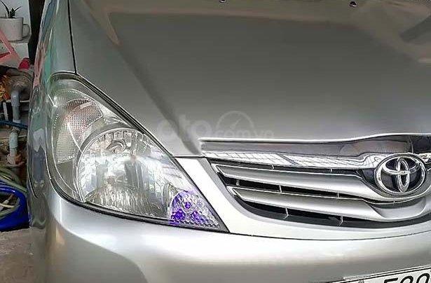 Bán Toyota Innova năm sản xuất 2010, màu bạc0