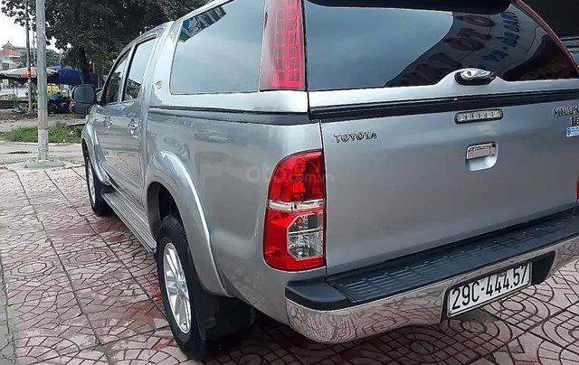 Cần bán lại xe Toyota Hilux 2.5E 4x2 MT đời 2014, màu bạc, nhập khẩu nguyên chiếc1