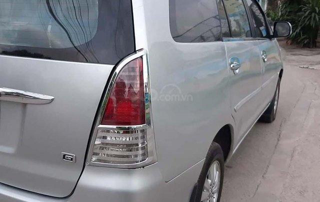 Cần bán lại xe Toyota Innova năm sản xuất 2009, màu bạc4