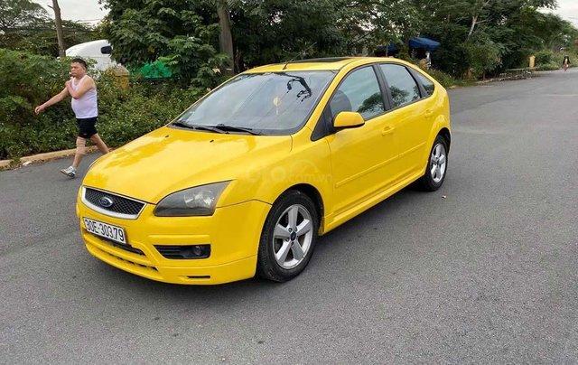 Cần bán xe Ford Focus 2.0AT đời 2006, màu vàng0