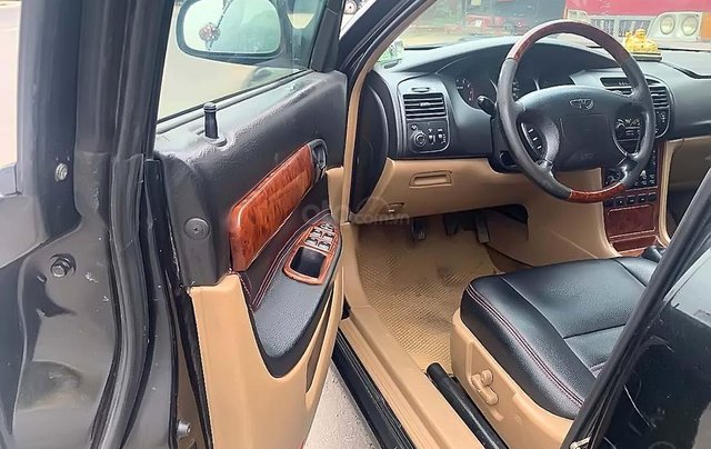 Cần bán xe cũ Daewoo Magnus 2.0 MT sản xuất 2004, màu đen, giá cạnh tranh4