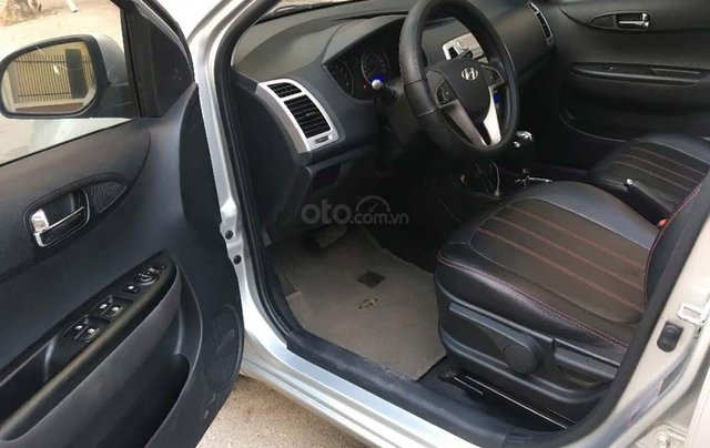 Bán Hyundai i20 1.4 AT năm 2012, màu bạc, xe nhập, số tự động 2
