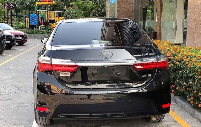 Bán Toyota Corolla Altis 1.8G AT năm sản xuất 2018, màu đen, chính chủ  2