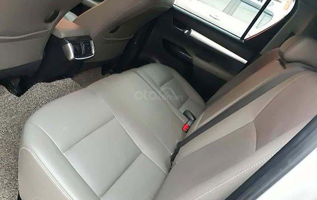 Cần bán Toyota Hilux 3.0G 4x4 AT đời 2015, màu bạc, nhập khẩu 3