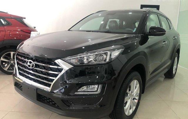 Bán nhanh chiếc Hyundai Tucson 2.0 đời 2019, bản tiêu chuẩn, màu đen