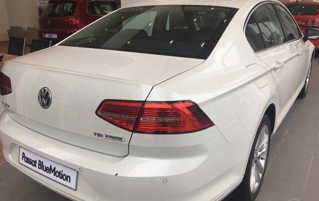 Cần bán Volkswagen Passat Highline 2018, màu trắng, xe nhập 100% từ nước Đức - liên Hệ 03962687862