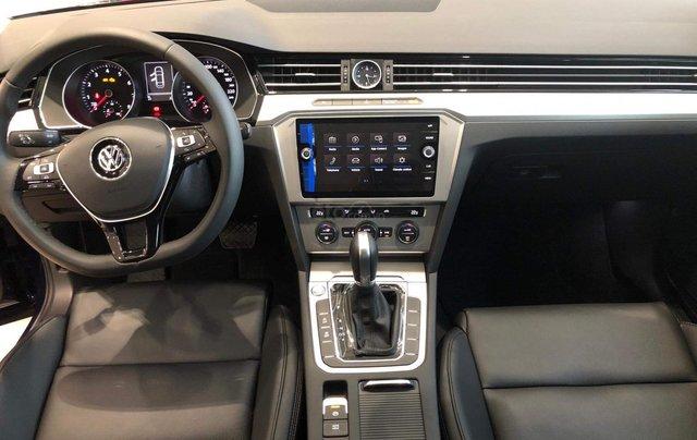 Cần bán Volkswagen Passat Highline 2018, màu trắng, xe nhập 100% từ nước Đức - liên Hệ 03962687863