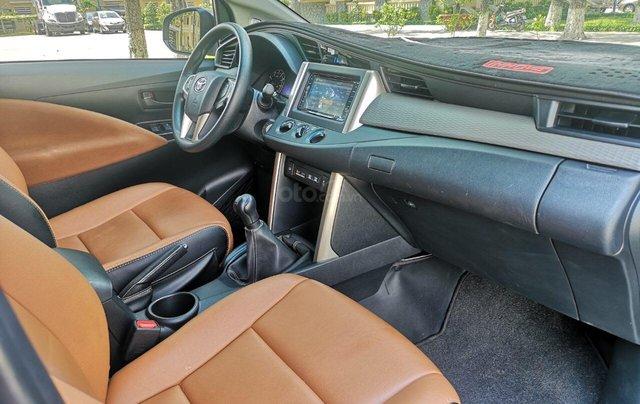 Mua xe ngay nhận ngay ưu đãi lớn cuối năm chiếc xe  Toyota Innova 2.0E đời 2019, màu bạc 8