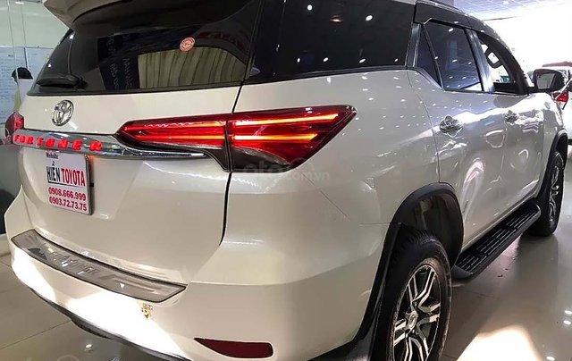 Bán xe Toyota Fortuner 2.7V 4x2 AT sản xuất 2019, màu trắng, xe nhập  1