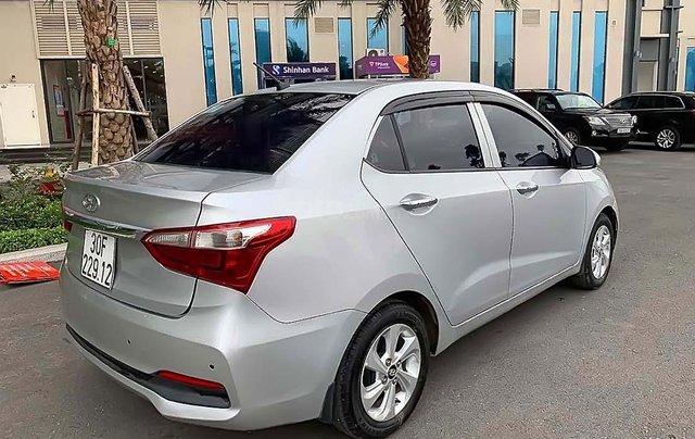 Bán ô tô Hyundai Grand i10 sản xuất năm 2018, màu bạc1