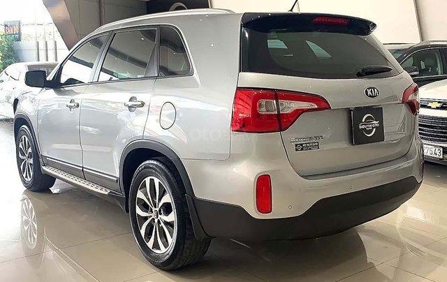 Bán xe Kia Sorento sản xuất 2017, màu bạc số tự động1