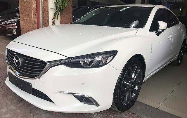 Cần bán xe cũ Mazda 6 2.0 premium sản xuất 2018, màu trắng như mới0