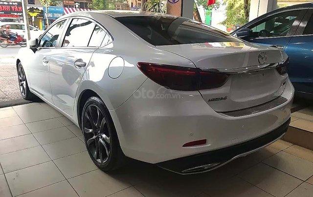 Cần bán xe cũ Mazda 6 2.0 premium sản xuất 2018, màu trắng như mới1