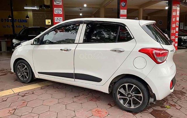 Cần bán gấp Hyundai Grand i10 sản xuất 2017, màu trắng, nhập khẩu1