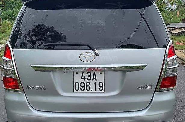Bán ô tô Toyota Innova E 2.0 đời 2013, màu bạc như mới 1