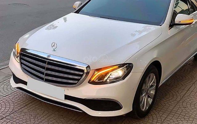 Bán Mercedes E200 sản xuất năm 2017, màu trắng như mới1