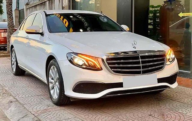 Bán Mercedes E200 sản xuất năm 2017, màu trắng như mới0