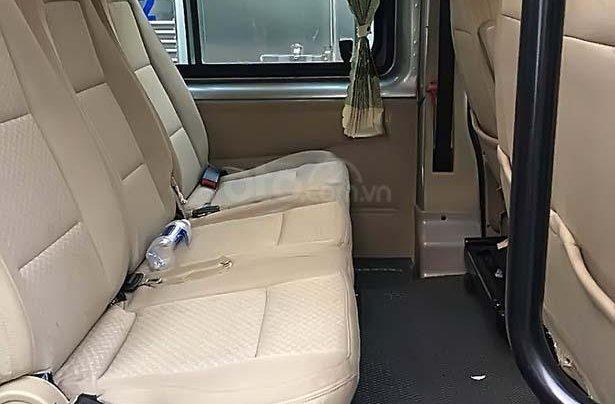 Cần bán Ford Transit sản xuất 2014, màu bạc, xe như mới4