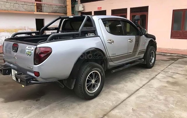Cần bán Mitsubishi Triton GLS 4x4 MT 2009, màu bạc, nhập khẩu Thái  2