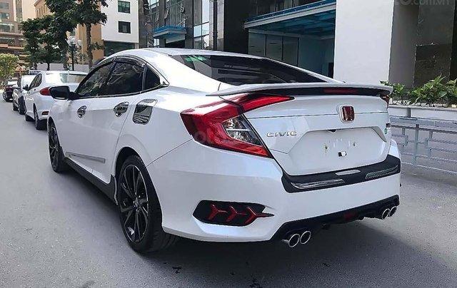 Cần bán Honda Civic 1.5 RS Turbo sản xuất năm 2019, màu trắng, xe nhập2