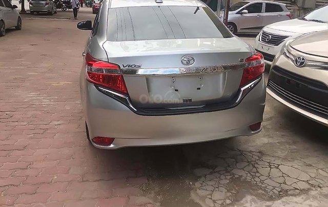 Cần bán gấp Toyota Vios sản xuất năm 2017, màu bạc1