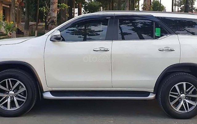 Bán xe Toyota Fortuner 2.8V năm 2018, màu trắng, xe nhập số tự động0