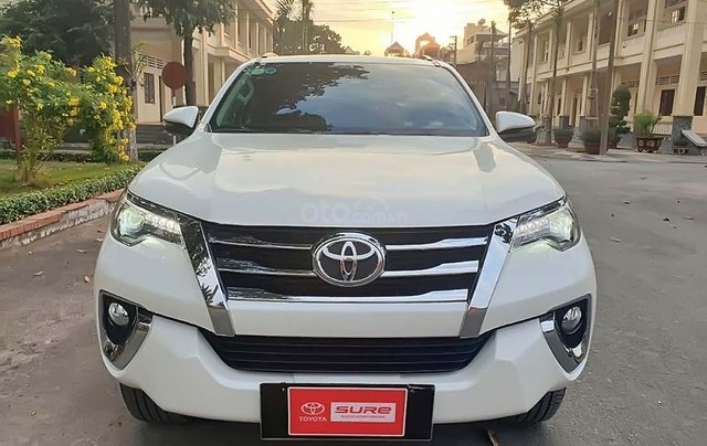 Bán xe Toyota Fortuner 2.8V năm 2018, màu trắng, xe nhập số tự động1